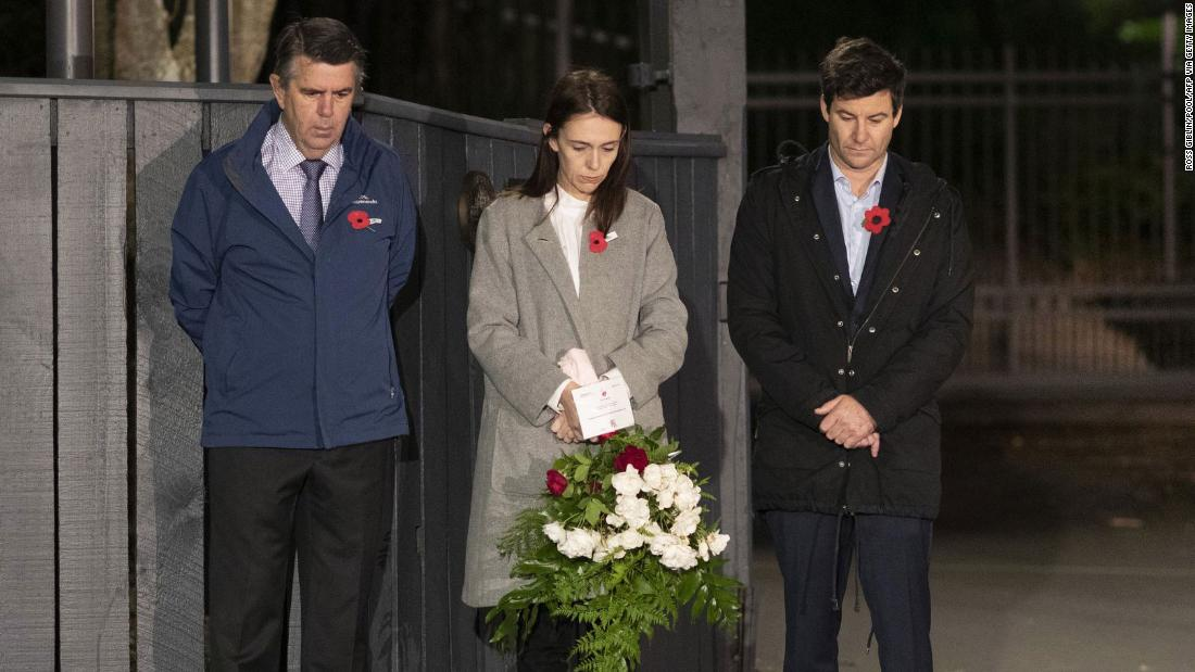 Anzac Day: New Zealand leader Jacinda Ardern marks the occasion from her driveway